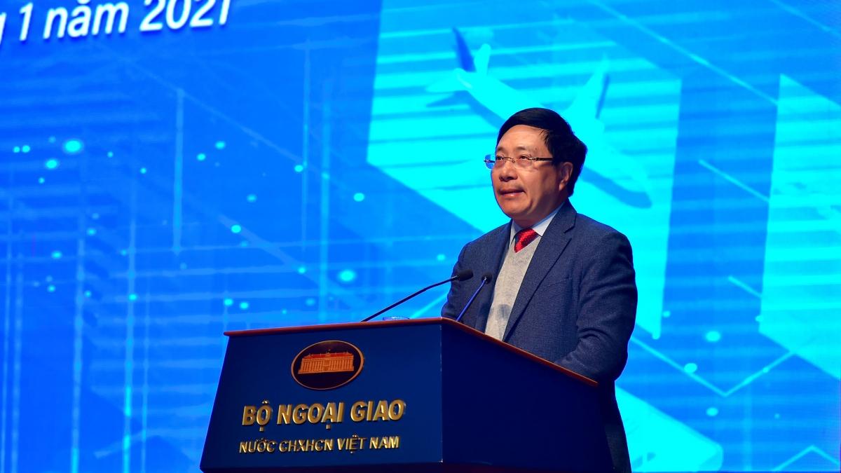 Ủy viên Bộ Chính trị, Phó Thủ tướng, Bộ trưởng Phạm Bình Minh phát biểu tại Hội nghị.