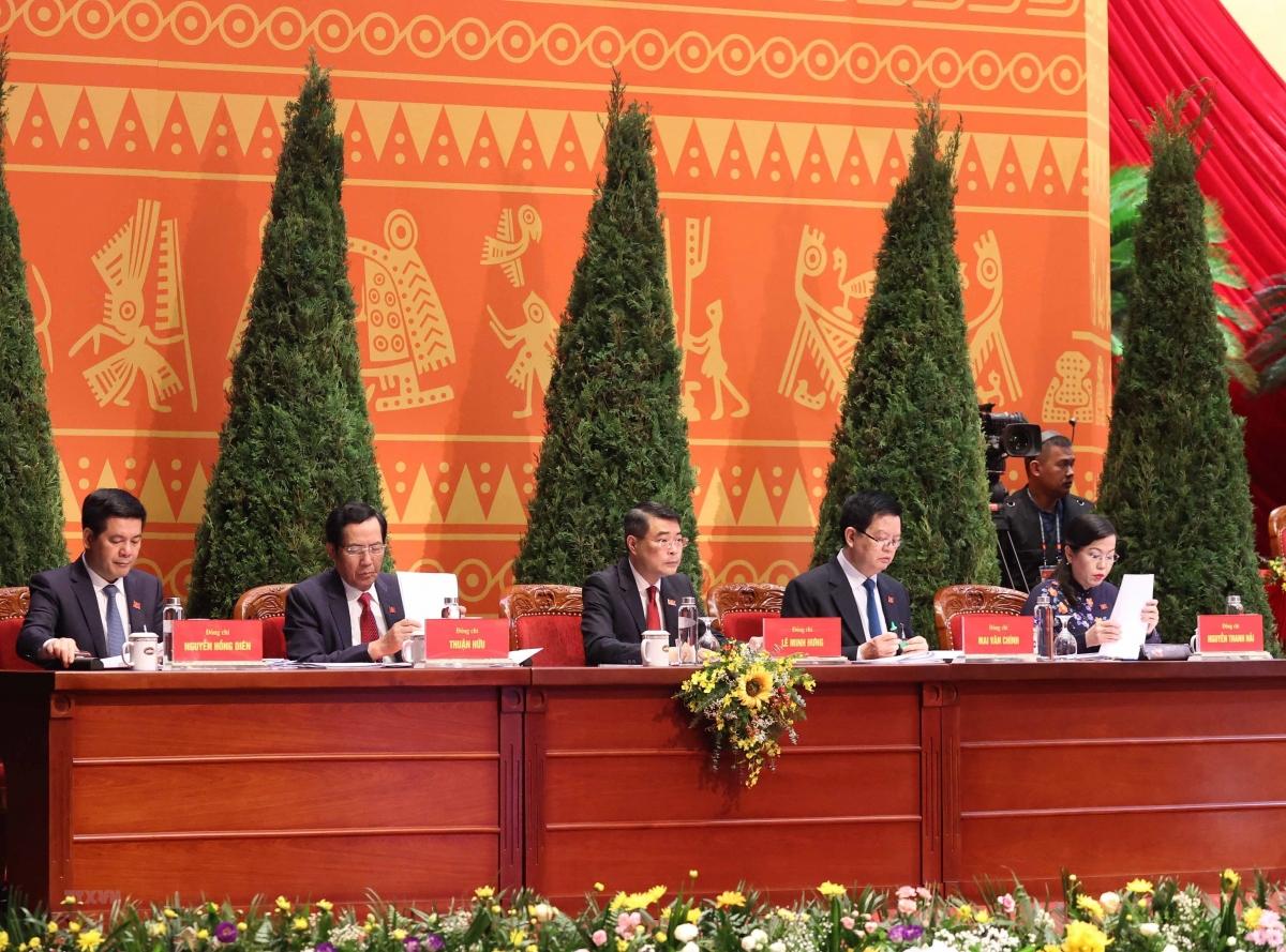 Đoàn Thư ký Đại hội gồm 5 thành viên.(Ảnh: TTXVN)