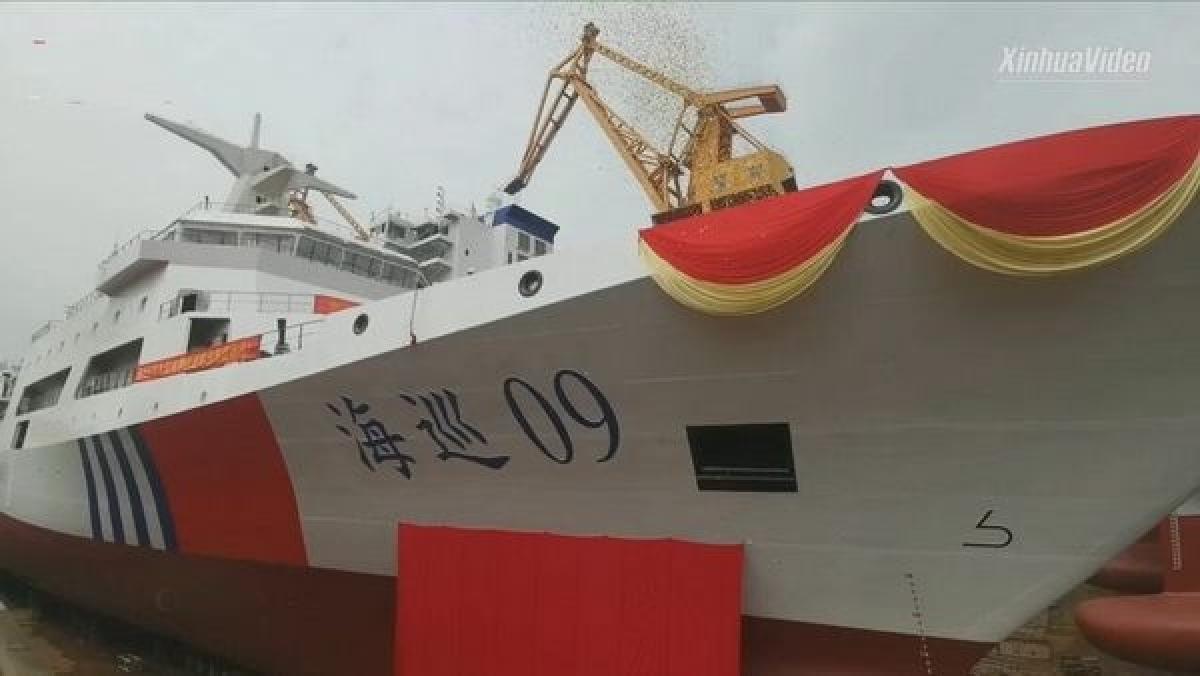 """Tàu tuần dương/tàu tuần tra """"Hải Tuần 09"""" của Trung Quốc. Ảnh: Tân Hoa xã."""