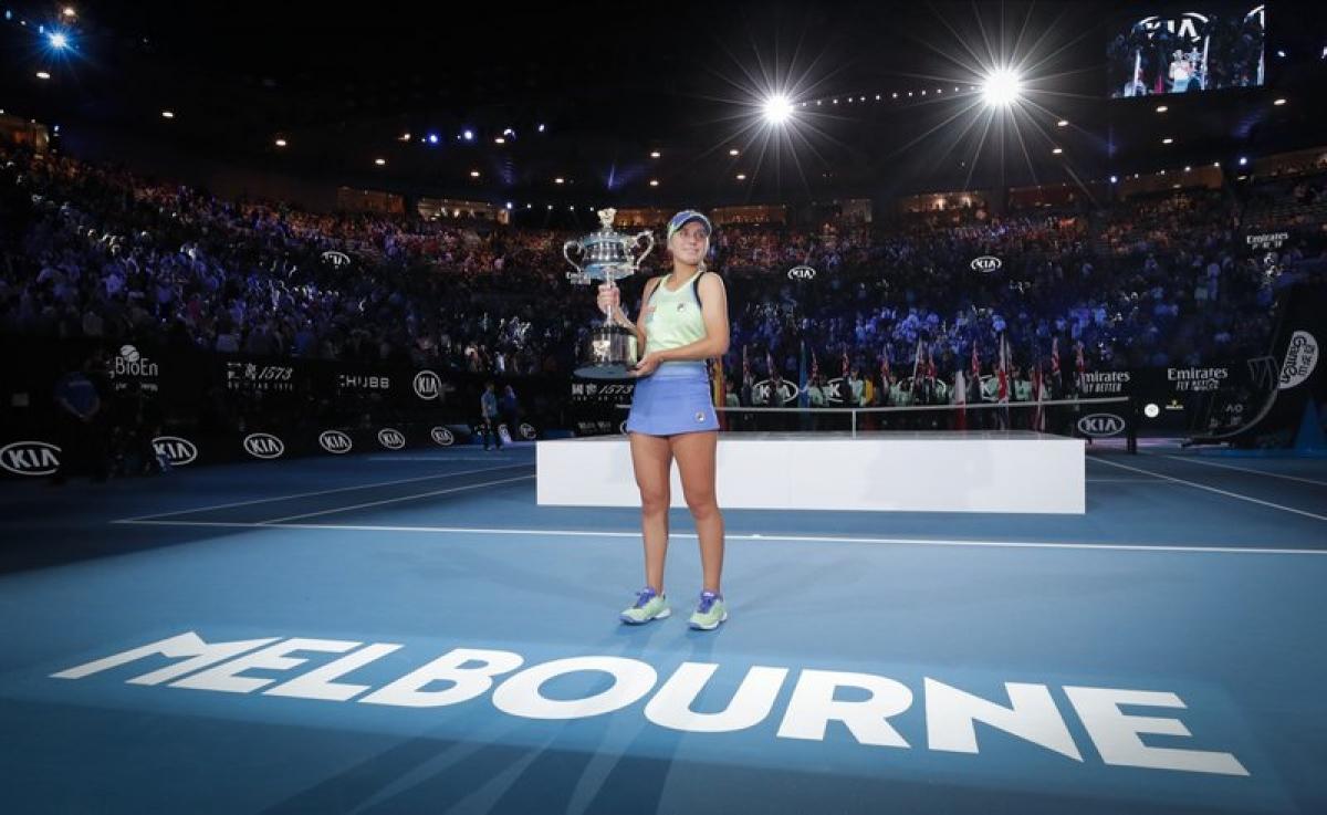 Cho đến nay 72 tay vợt tham dự giải quần vợt Australia mở rộng phải cách ly 2 tuần trước khi được tham dự giải đấu.