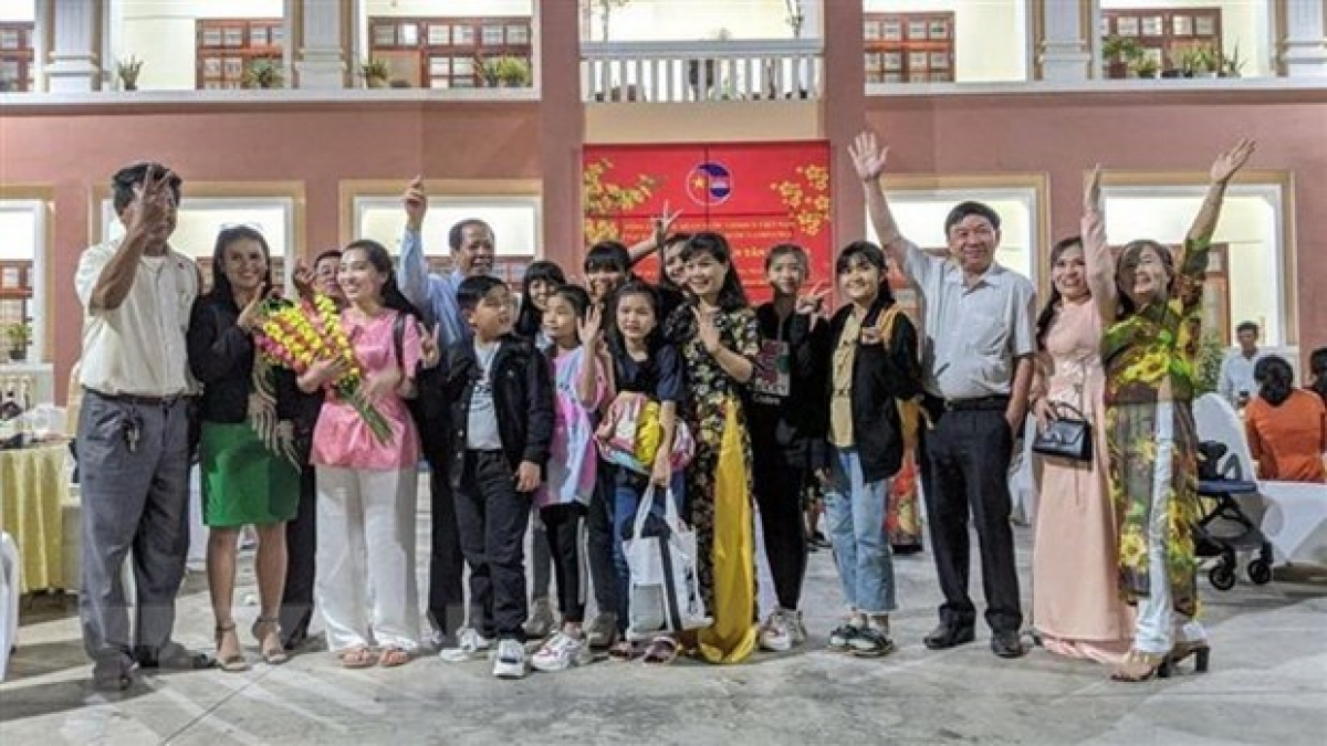 Vietnamese expats in Cambodia at the Tet festival held by the Vietnamese General Consulate
