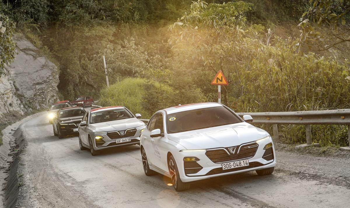 Lux A2.0 và Lux SA2.0 có chất lượng vượt trội các dòng xe Nhật và Hàn Quốc cùng tầm tiền và tương đương xe Đức.