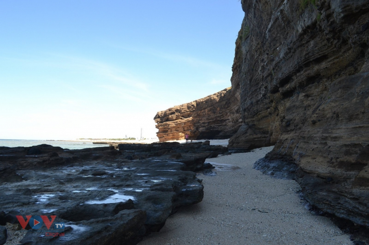 Chua Hang, the stunning caves in Ly Son island