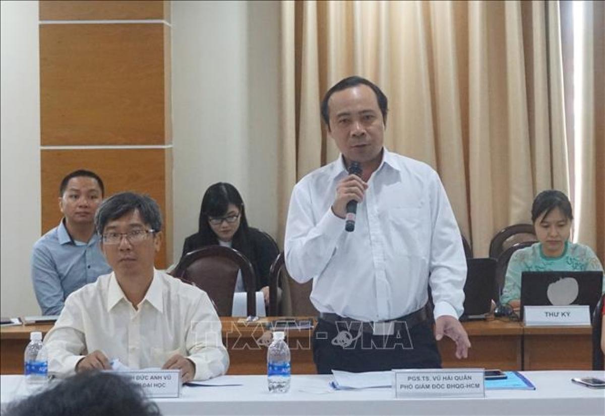 Phó Giáo sư, Tiến sĩ Vũ Hải Quân, Phó Giám đốc Đại học quốc gia Thành phố Hồ Chí Minh phát biểu tại một hội thảo. Ảnh: Thu Hoài/TTXVN