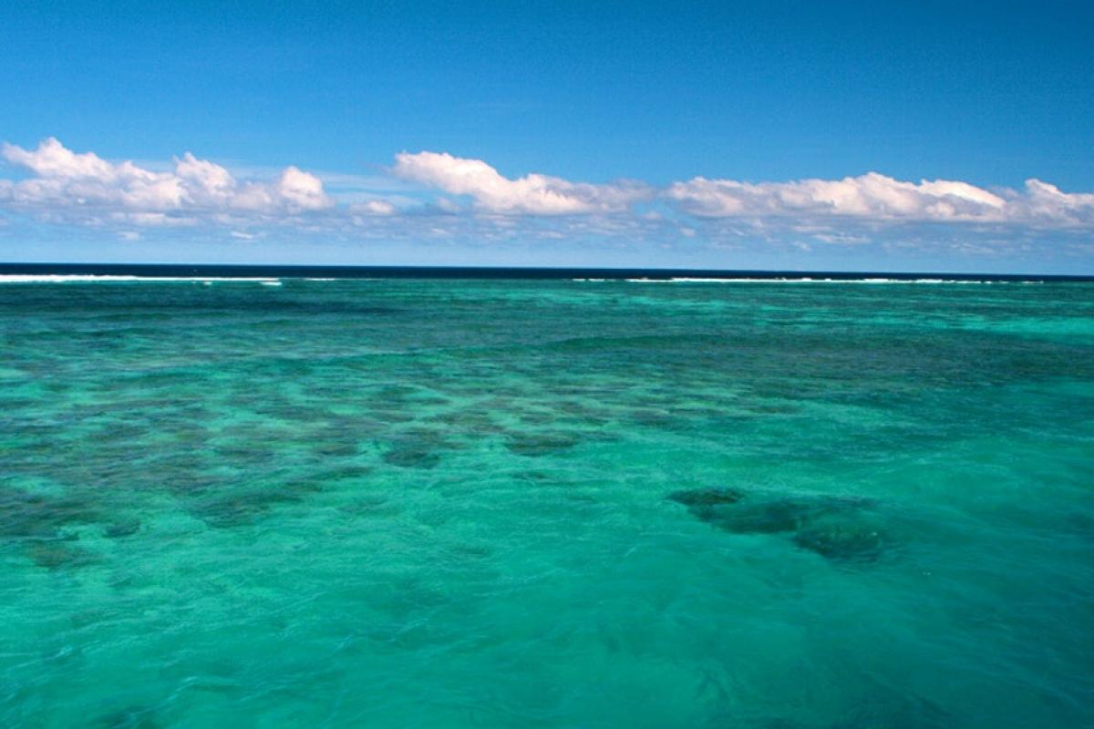 Làn nước xanh ngọc tại Fiji. Nguồn: Christian Haugen