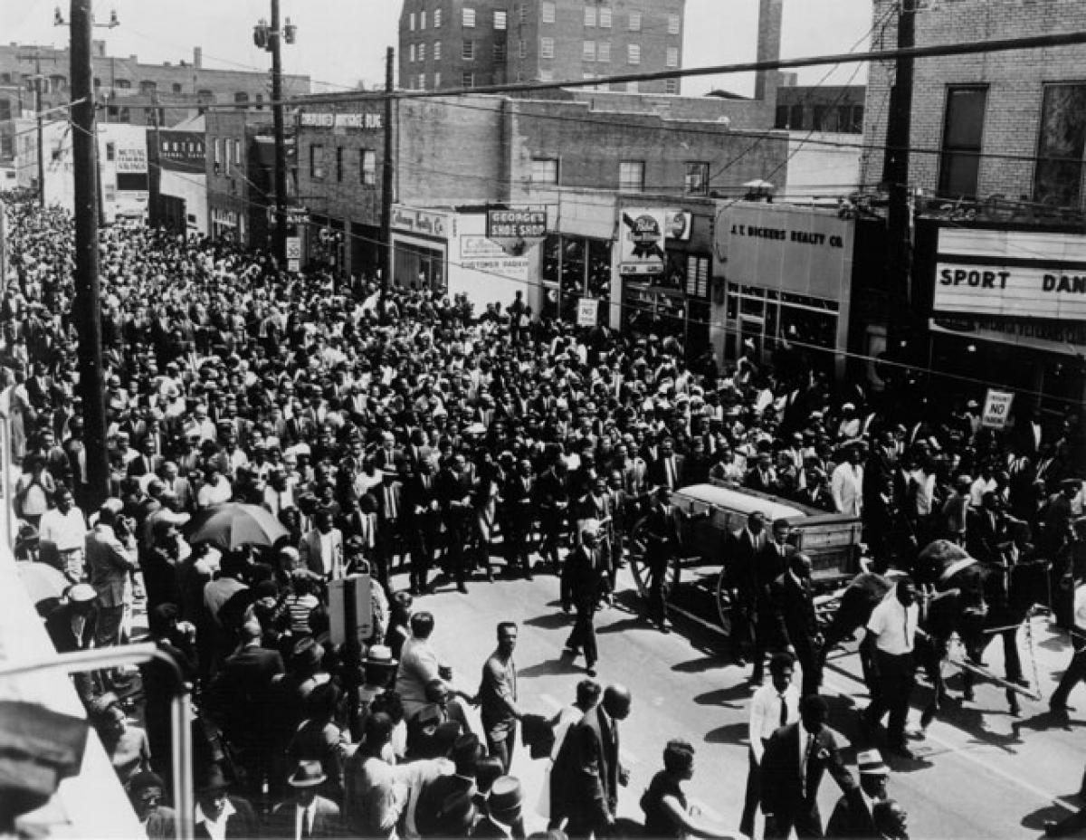 Hàng nghìn người dân đã đến dự tang lễ của mục sư King vào ngày 9/4/1968 ở thành phố Atlanta. Ảnh: AP./.