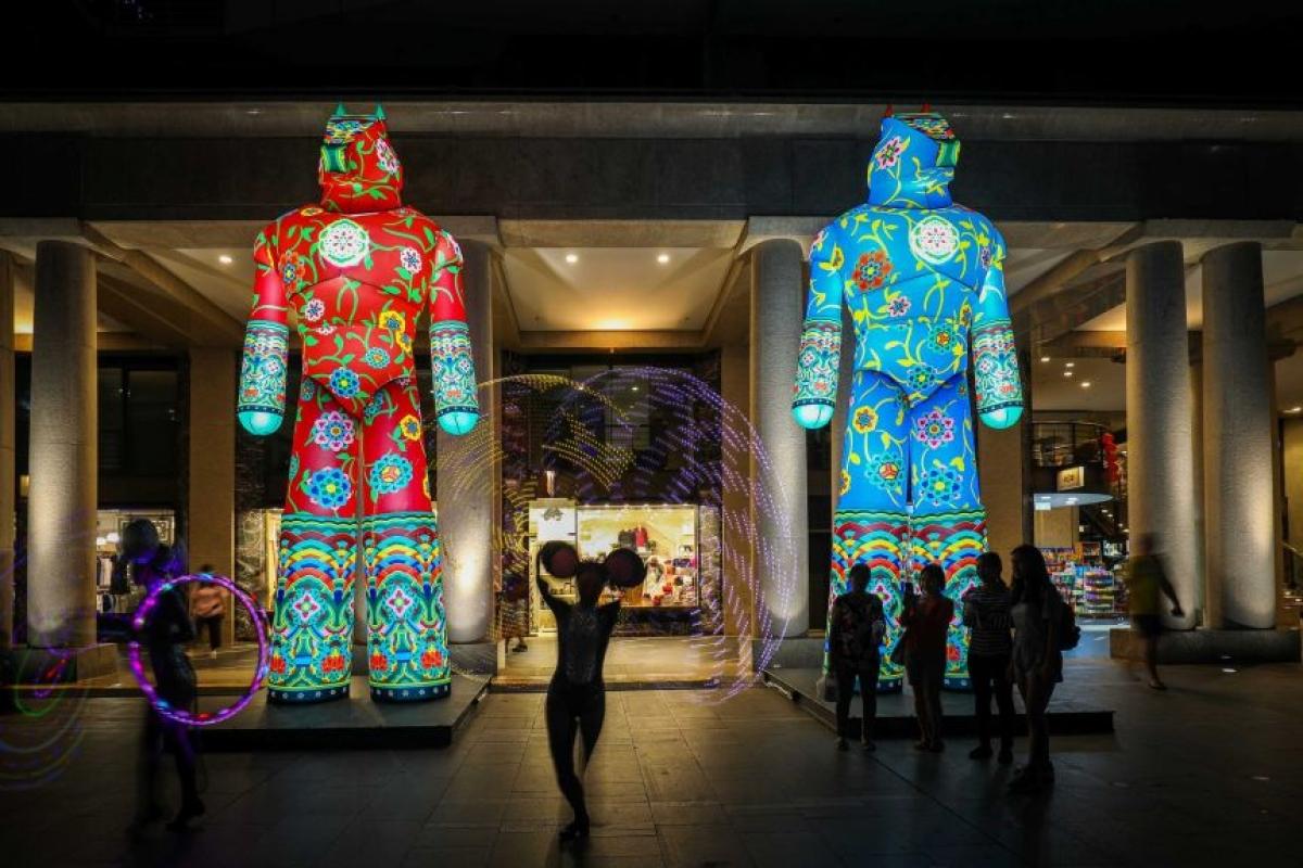 Đèn lồng linh vật năm Tân Sửu 2021 được trang trí để đón Tết Nguyên đán năm nay tại Sydney. (Ảnh City of Sydney)