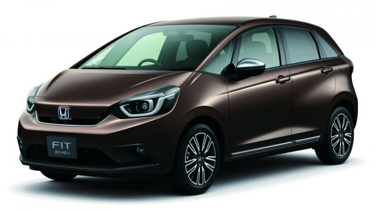 Bất chấp sự tồn tại của chiếc Honda City Hatchback dành riêng cho ASEAN mới, chiếc Jazz (hay được gọi là Fit tại thị trường Nhật Bản) với giá đắt và hiện đại hơn vừa chính thức được giới thiệu tại Singapore. Đây là thế hệ thứ 4 của mẫu xe này tại Singapore được giới thiệu.
