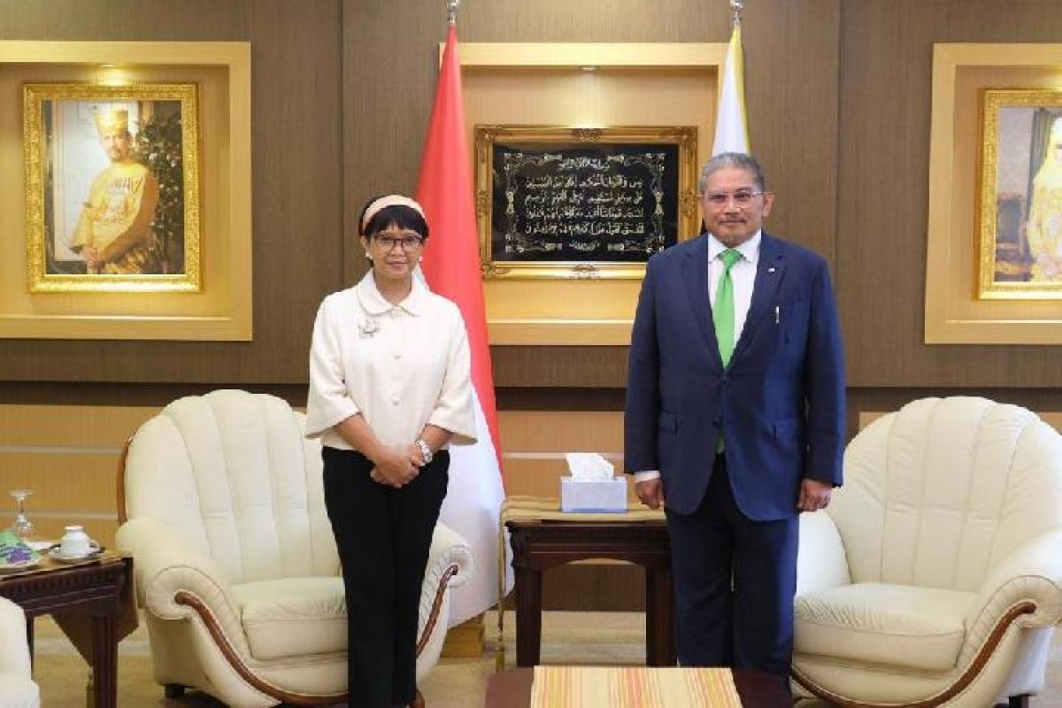 Ngoại trưởng Indonesia Retno Marsudi và Ngoại trưởng Brunei Darussalam Erywan Yusof (Nguồn: Bộ Ngoại giao Indonesia)