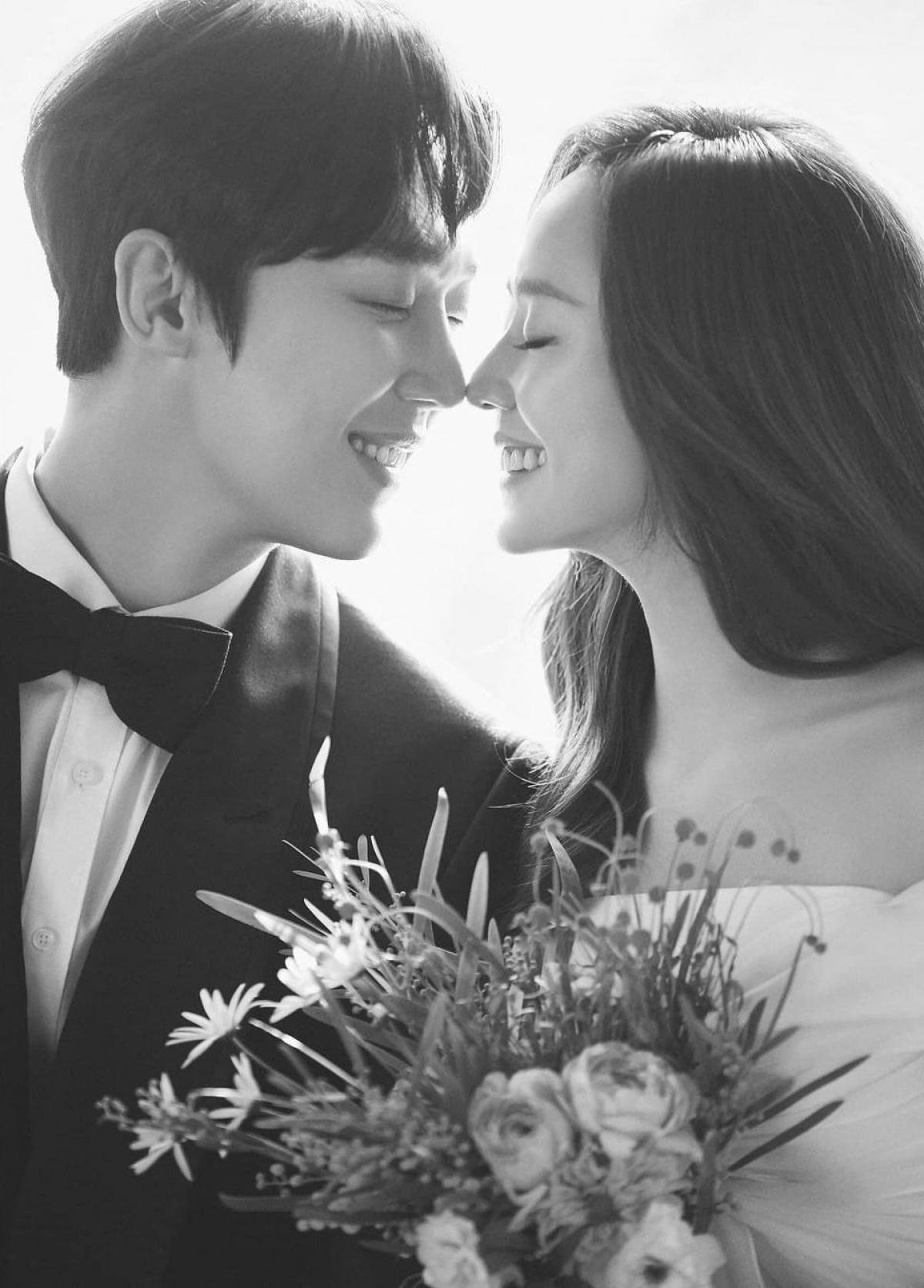 Loạt ảnh cưới của hai nhân vậtOh Yoon Hee và Ha Yoon Chul.