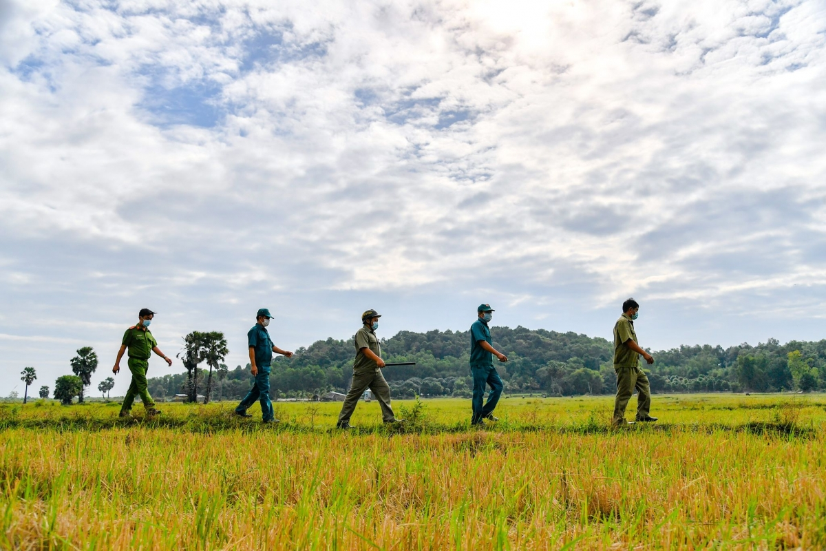 Lực lượng chức năng tỉnh Kiên Giang tuần tra khu vực biên giới.