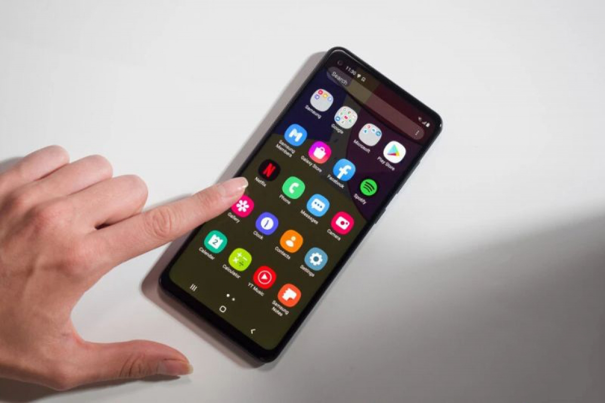 Samsung cũng góp mặt trong top 10 với 4 mẫu smartphone.