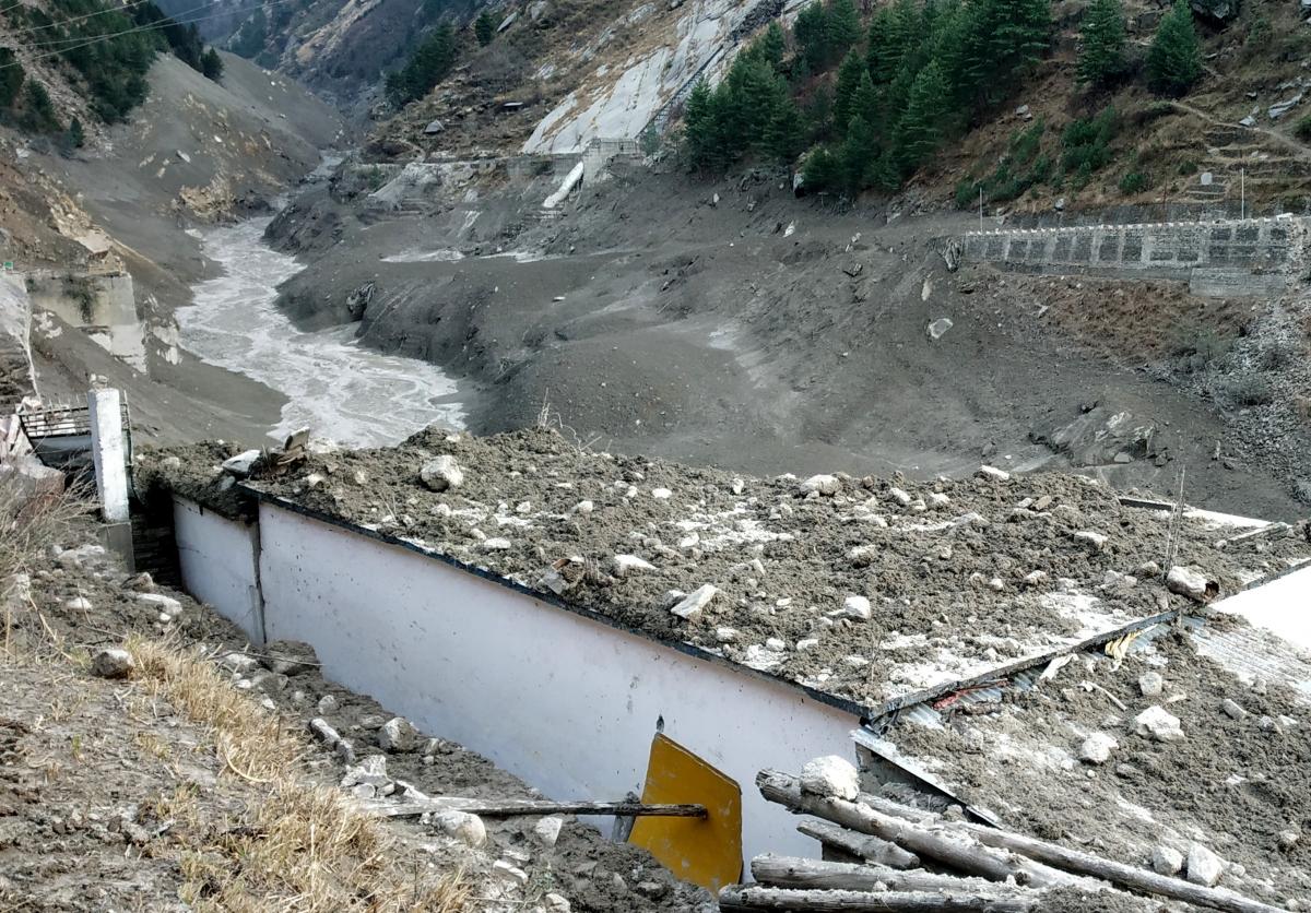 Hiện trường vụ lũ quét tại bang Uttarakhand, miền Bắc Ấn Độ (Ảnh: Reuters)