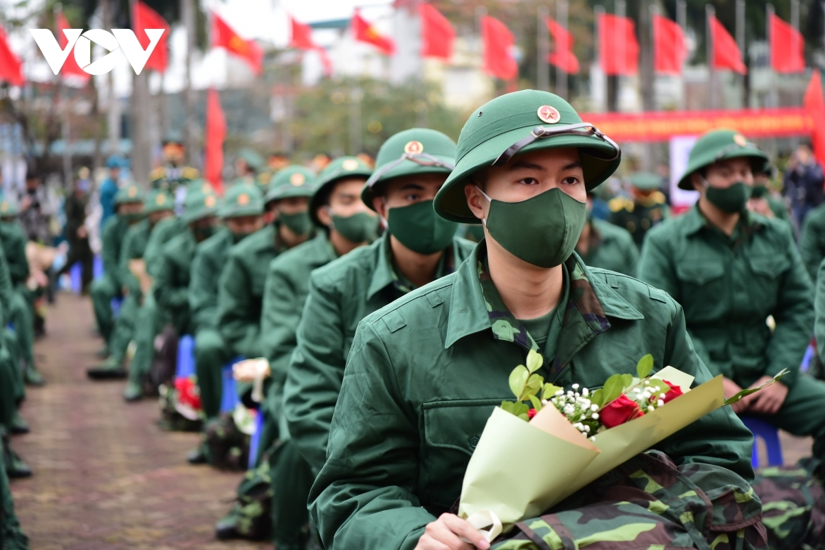 This year has seen over 70 young people from Hanoi enlist to join the military.