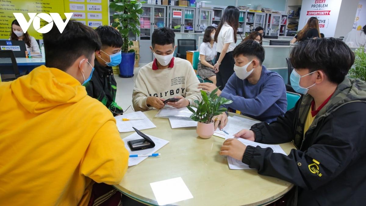 Đối với những ngành nghề không còn phù hợp, các trường cũng cần chủ động chấm dứt hoặc thu gọn lại thành một số ngành chủ lực để phù hợp cho sự phát triển