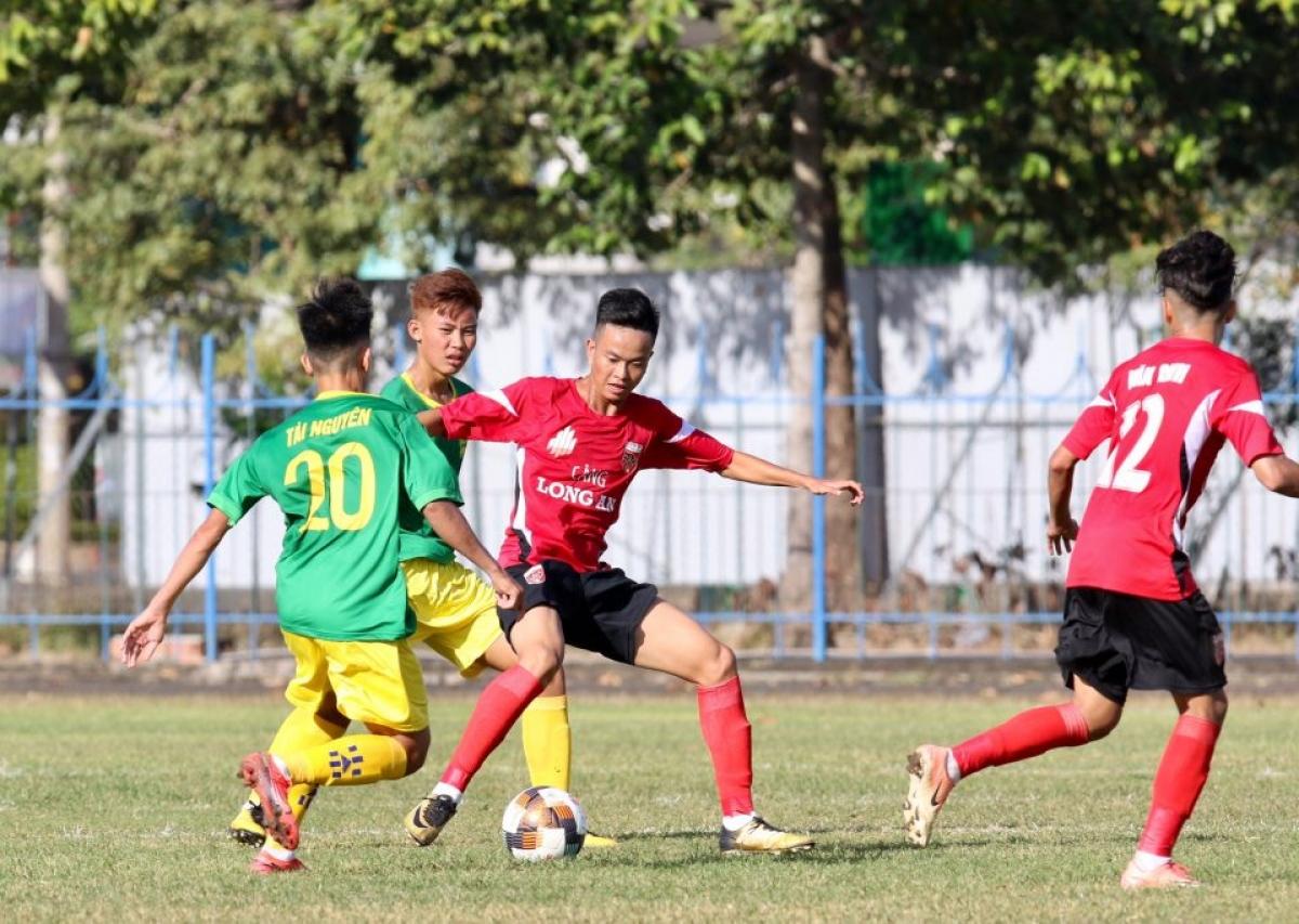 Các trận đấu cuối cùng tại vòng loại U19 Quốc gia 2021 đã phải tạm hoãn do diễn biến phức tạp của dịch Covid-19. (Ảnh: VFF).