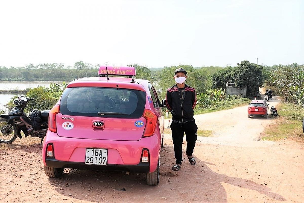 Lái xe Nguyễn Văn Hùng chở khách, trốn trạm kiểm soát dịch bệnh COVID-19 để vào TP. Hải Phòng.
