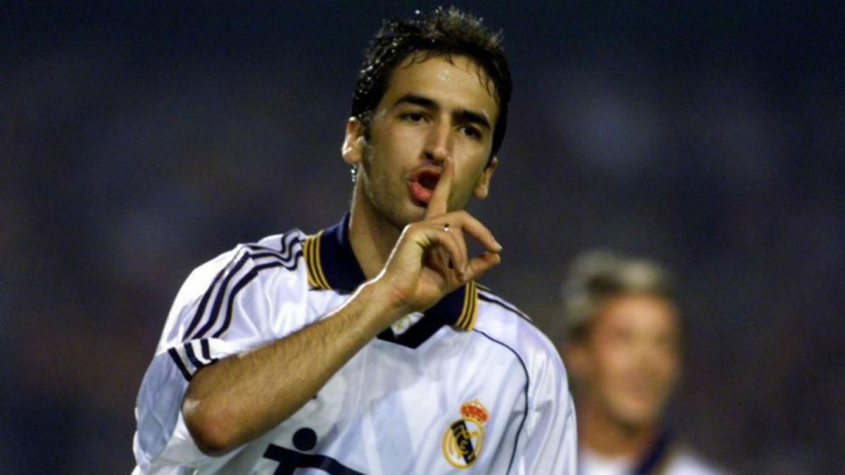 3. Raúl González (Real Madrid, Schalke) - 71 bàn thắng.