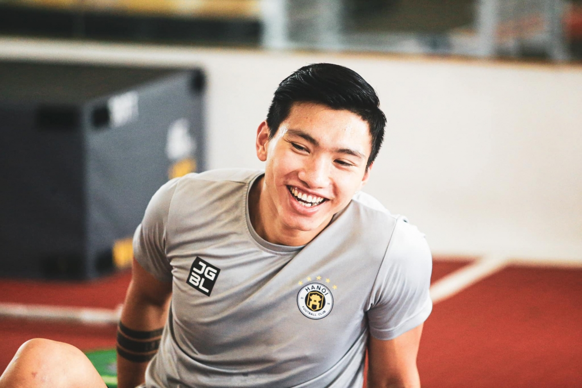 Trong thời điểm này, Văn Hậu đã tích cực tập luyện phục hồi tại trung tâm PVF.