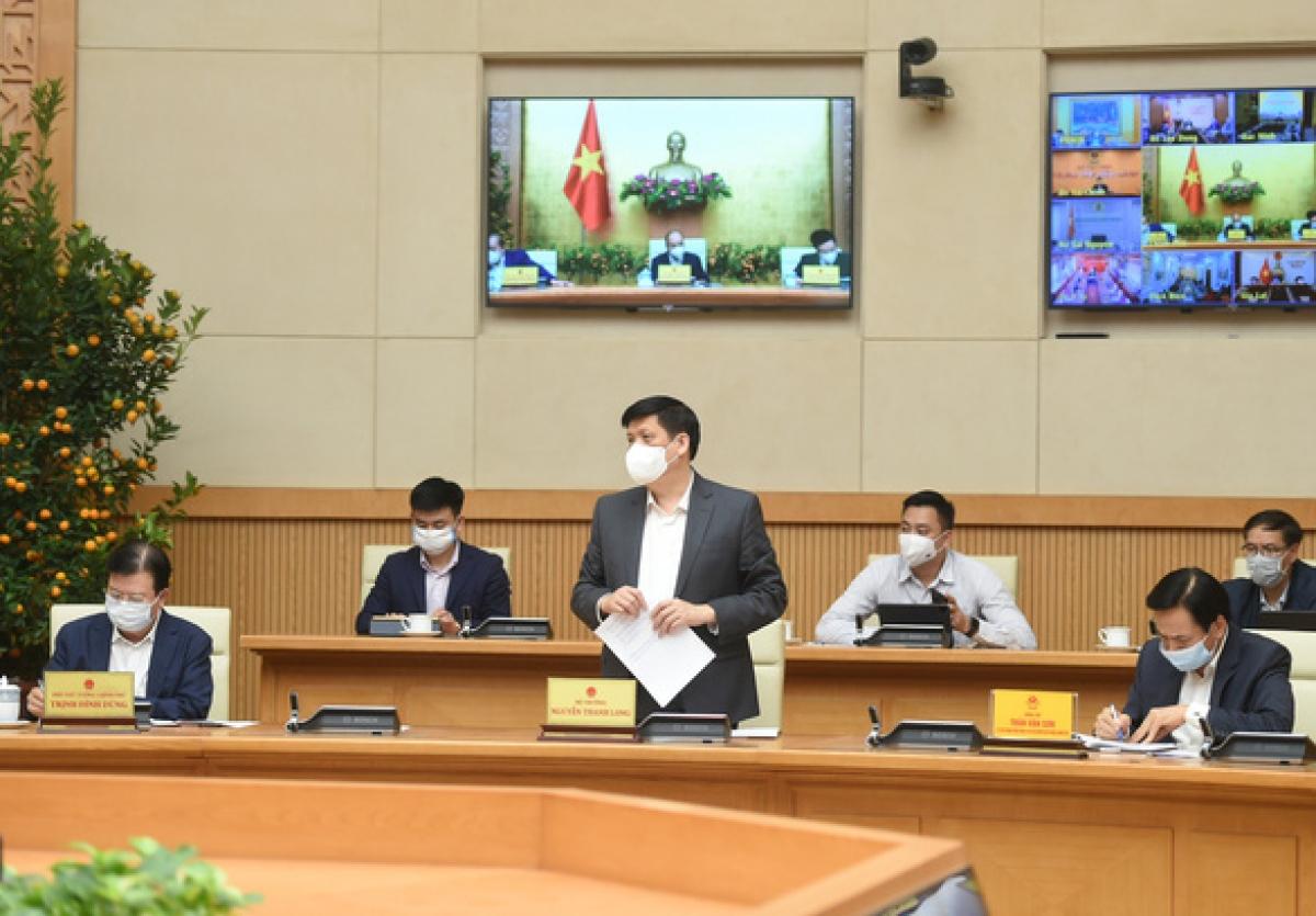 Bộ trưởng Bộ Y tế Nguyễn Thanh Long cập nhật tình hình dịch bệnh trong cả nước - Ảnh: VGP