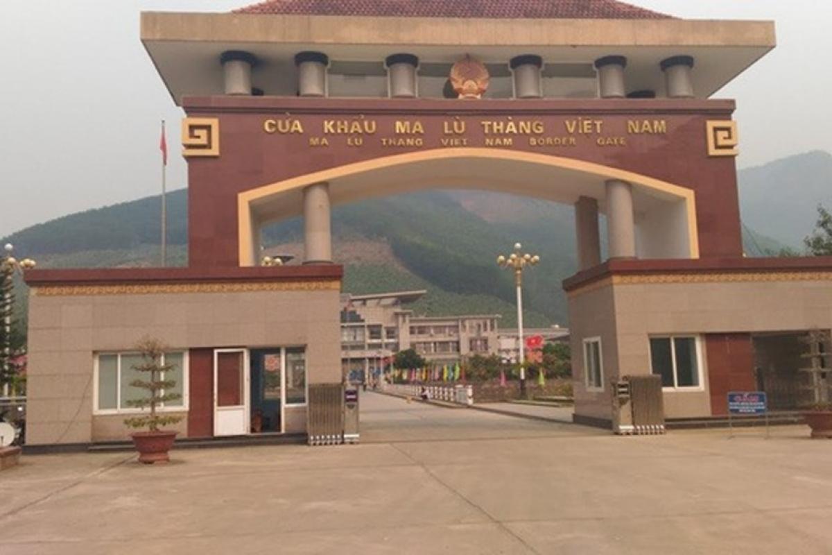 5 cán bộ của lực lượng bộ Bộ đội Biên phòng tỉnh Lai Châu vừa bị vừa thi hành kỷ luật. Ảnh: Báo Lao Động
