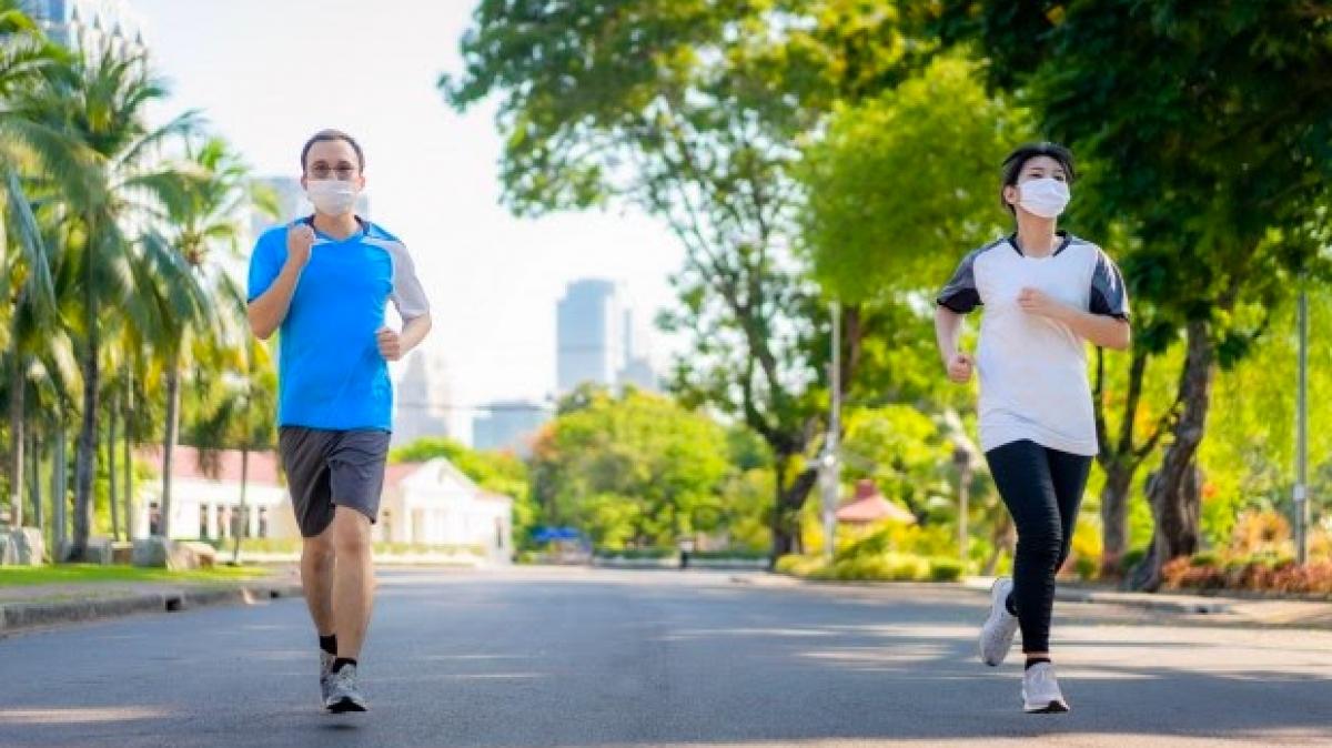 Tập luyện ít nhất nửa tiếng mỗi ngày để cơ thể luôn khỏe mạnh.