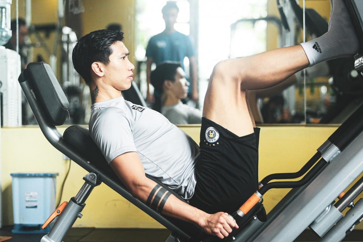 Theođánh giá của các bác sĩ, nếu nhanh thì cũng phải đến tháng 5, cầu thủ người Thái Bình cũng mới có thể ra sân chơi bóng được.