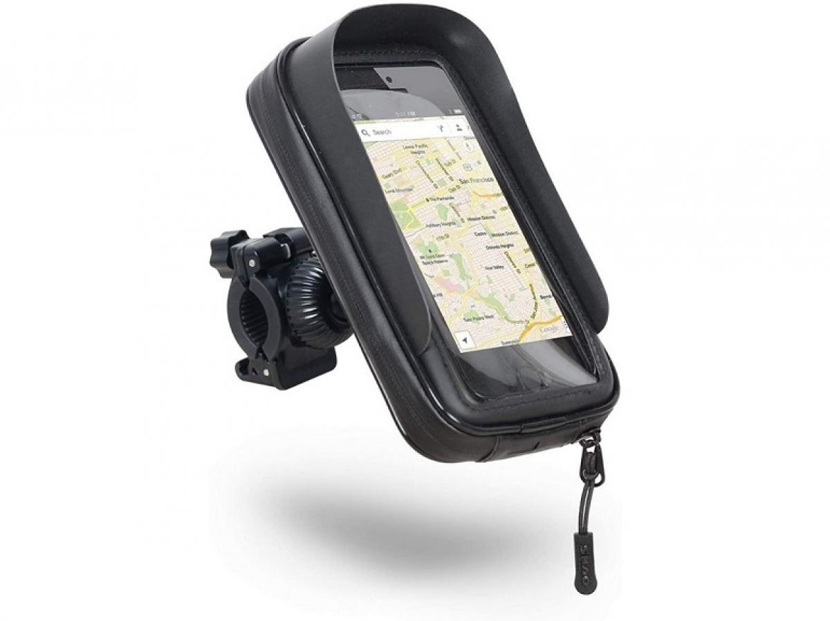 Ngoài việc cung cấp những chiếc ốp lưng hàng đầu, Shad cũng bán những phụ kiện dành cho smartphone, trong đó có giá đỡ dành cho xe máy, xe ga. Phụ kiện được cố định trên tay lái xe, tương thích với các mẫu điện thoại thông minh cỡ lớn như Pixel 4 XL (tối đa 6,6 inch)./.