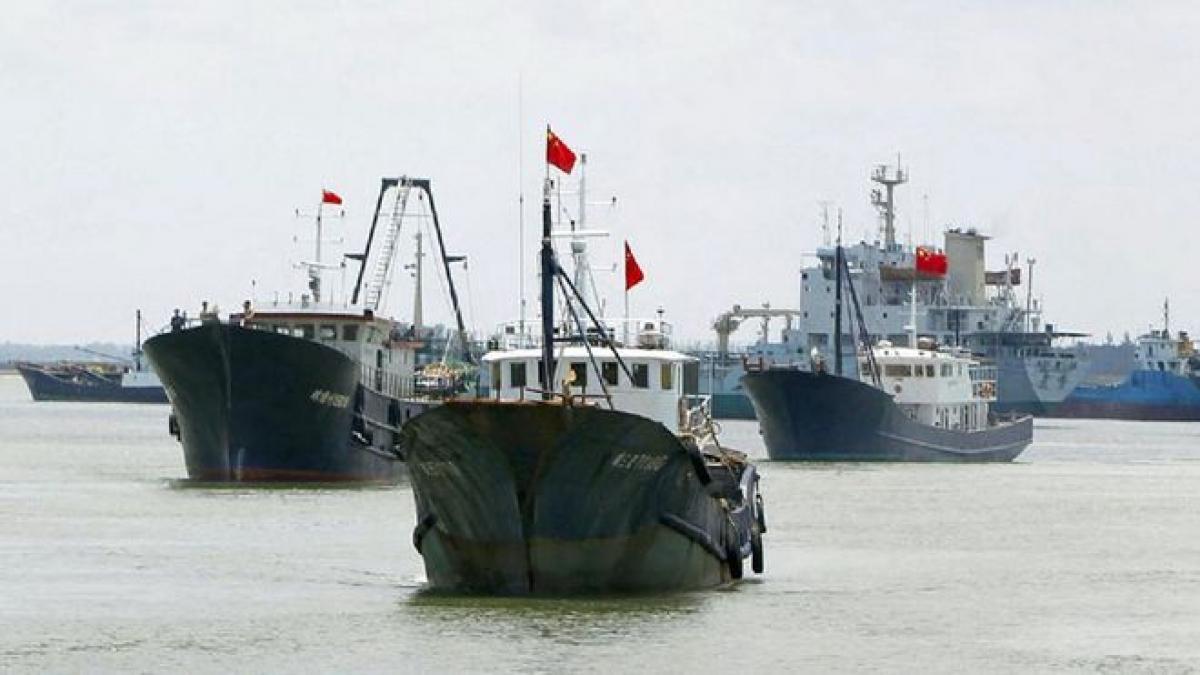 Tàu cá Trung Quốc trong một lần chuẩn bị đến Biển Đông. Ảnh: Báo Thanh niên