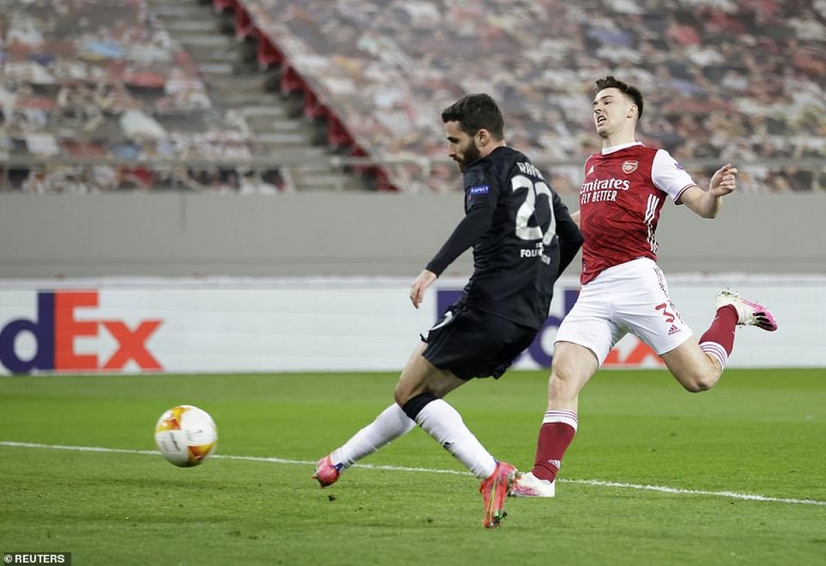 Benfica lật ngược tình thế, Arsenal phải ghi thêm 2 bàn thắng nữa mới giành vé đi tiếp vì luật bàn thắng trên sân khách.