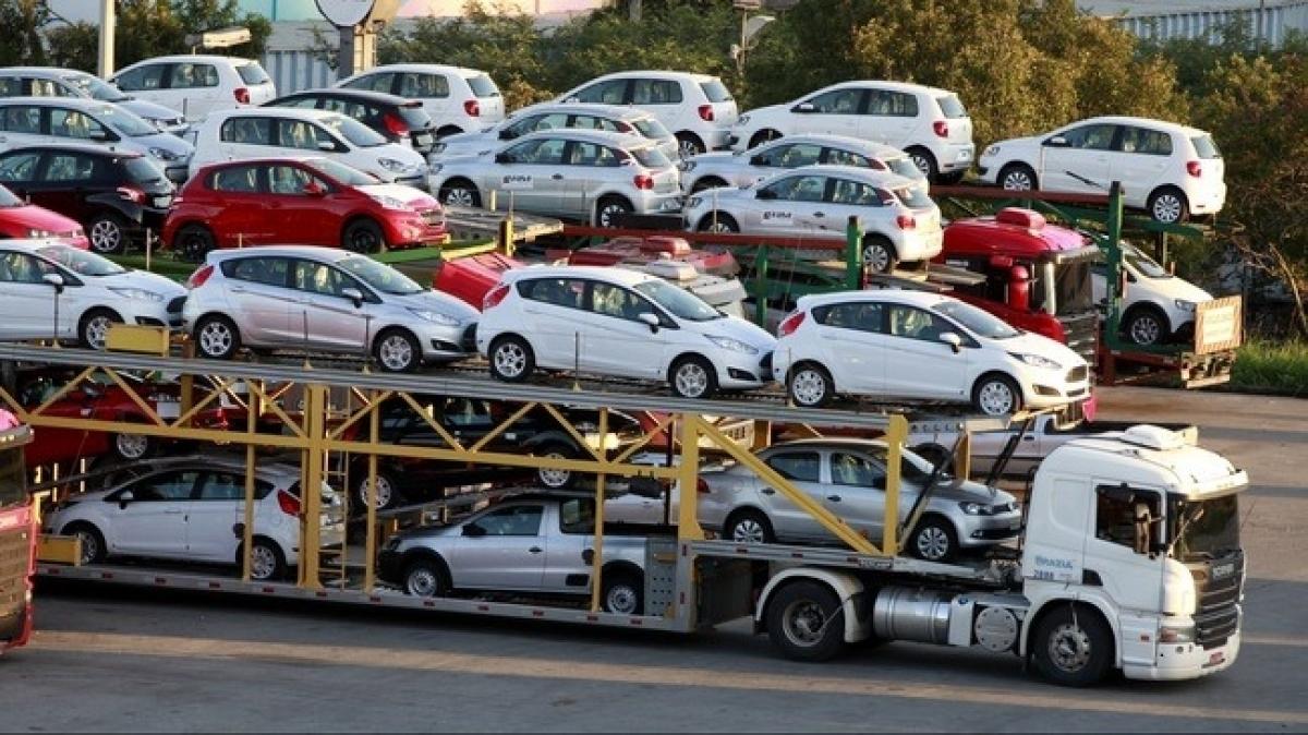 Việt Nam đã nhập khẩu hơn 11.000 ô tô nguyên chiếc kể từ đầu năm 2021 (Ảnh minh họa: KT)