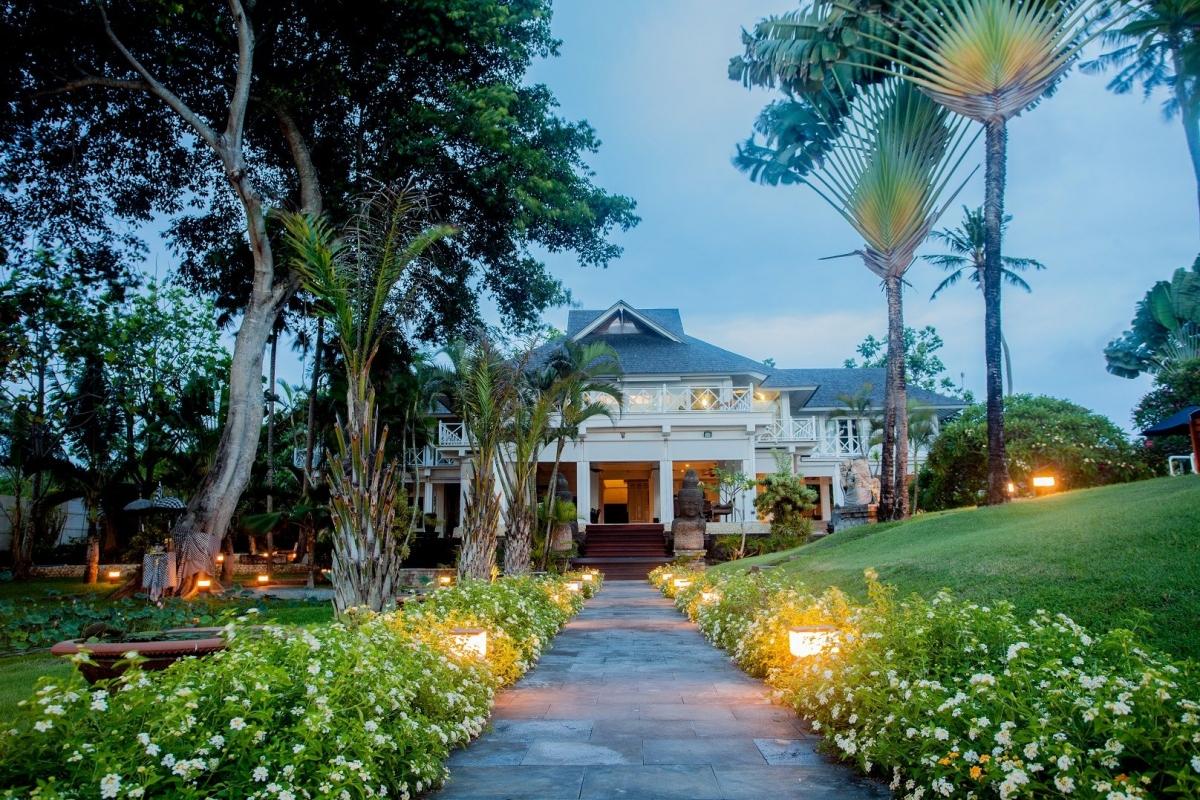 Nằm trong quần thể resort Canggu trên đảo Bali của Indonesia, căn biệt thự này có giá cho thuê là 6.000 USD/đêm.