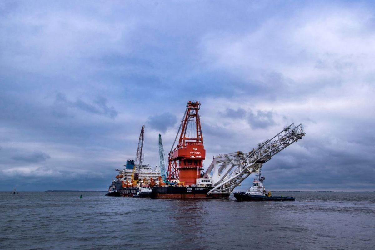 Một tàu lắp đặt đường ống được sử dụng để thi công dự án Dòng chảy phương Bắc 2, hiện đã hoàn thành hơn 90%. Ảnh: AP