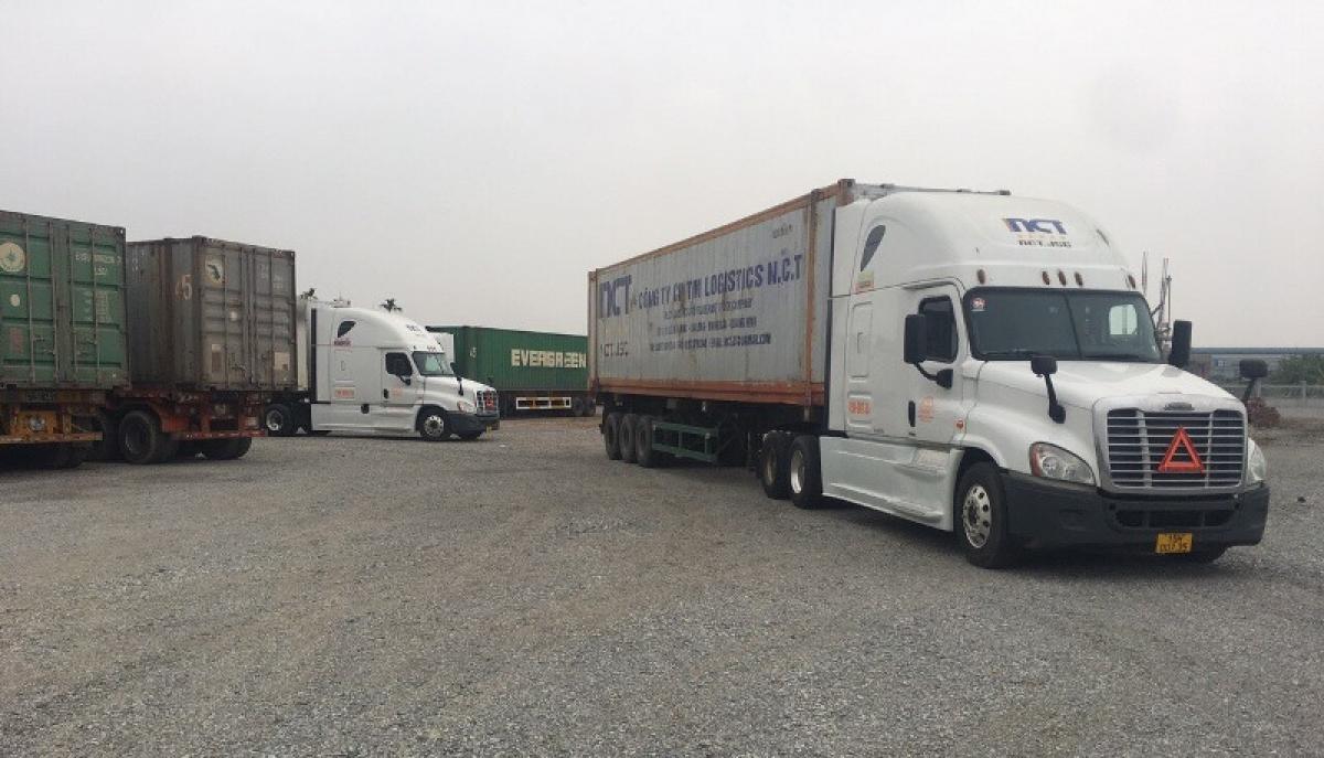 Gần 5.000 tấn hàng hóa thông quan qua các lối mở cửa khẩu quốc tế Móng Cái.
