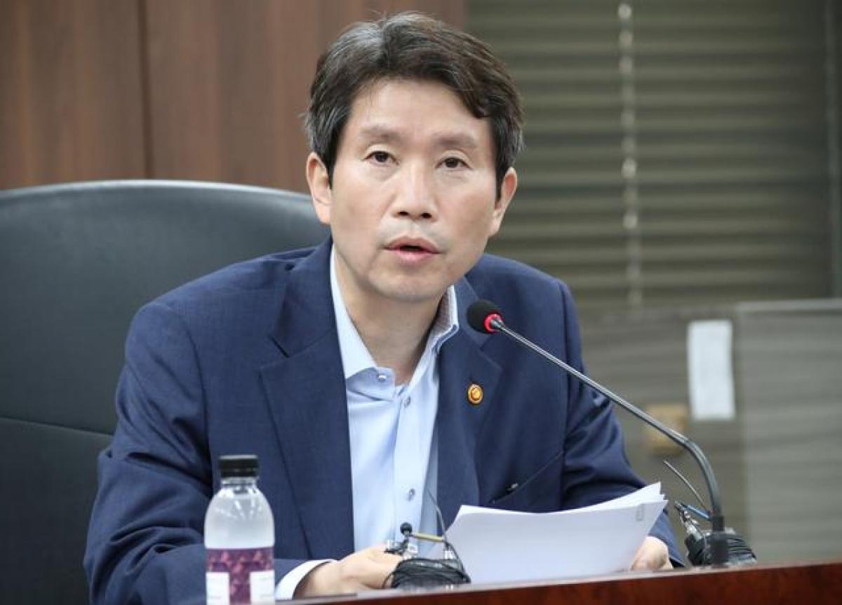 Bộ trưởng Bộ Thống nhất Hàn Quốc Lee In-young. Ảnh: Reuters