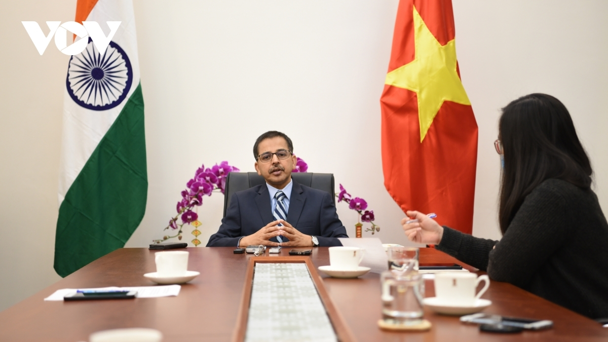 Indian Ambassador to Vietnam Pranay Verma has expressed his belief in the good long-term prospect of the India-Vietnam relationship in the cpoming year following the success of the 13th National Congress of the Communist Party of Vietnam.