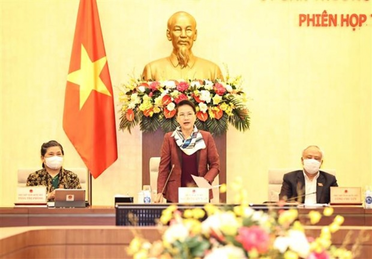 NA Chairwoman Nguyen Thi Kim Nganaddresses the closing of the 53rd session of NA Standing Committee (Photo: VNA)