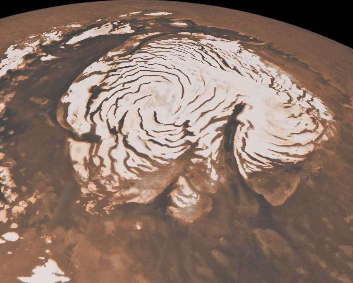 Tàu thăm dò Mars Global Surveyor của NASA ghi lại hình ảnh từ quỹ đạo của khu vực cực bắc trên sao Hỏa.