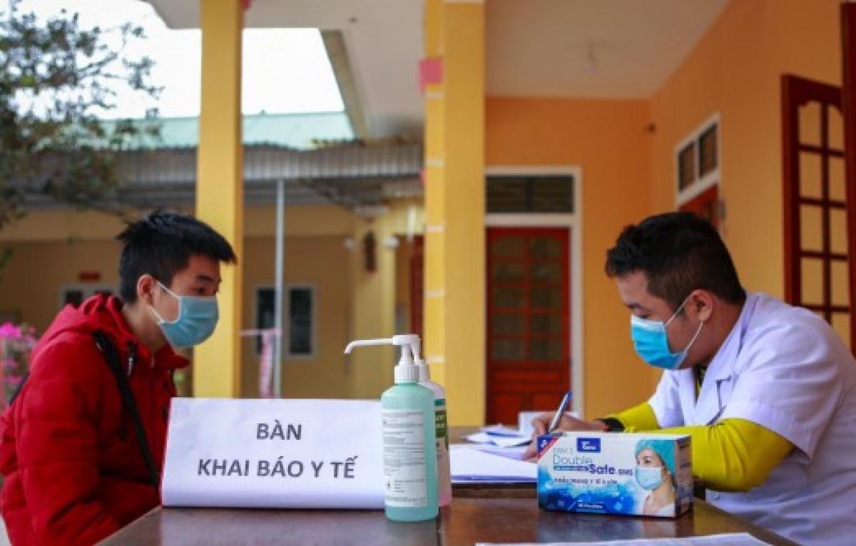 - Người lao động trở về Nghệ An đón Tết khai báo y tế (ảnh minh họa).