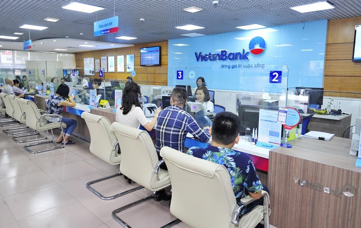 VietinBank tăng 61 bậc trong bảng xếp hạng năm 2021