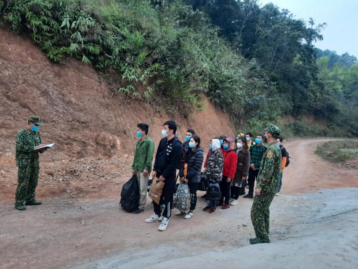 Đồn Biên phòng Tân Thanh (BĐBP tỉnh Lạng Sơn) vừa phát phát hiện, bắt giữ 14 công dân nhập cảnh trái phép vào Việt Nam.