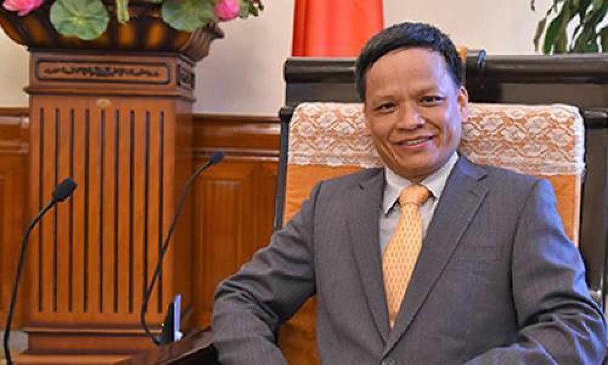 Chân dung Đại sứ Nguyễn Hồng Thao. (Ảnh: vietnamnet)