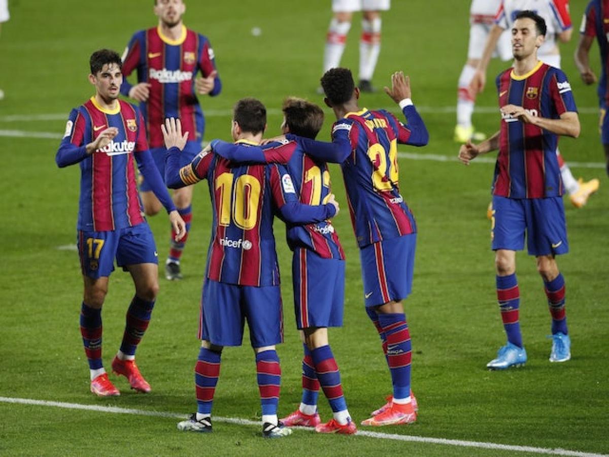 Barca chơi rất tốt trên sân nhà Nou Camp (Ảnh: Reuters).