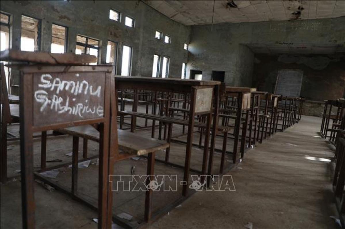 Cảnh vắng vẻ tại lớp học ở Kagara, bang Niger, Nigeria, sau khi xảy ra một vụ bắt cóc học sinh. Ảnh: AFP/TTXVN