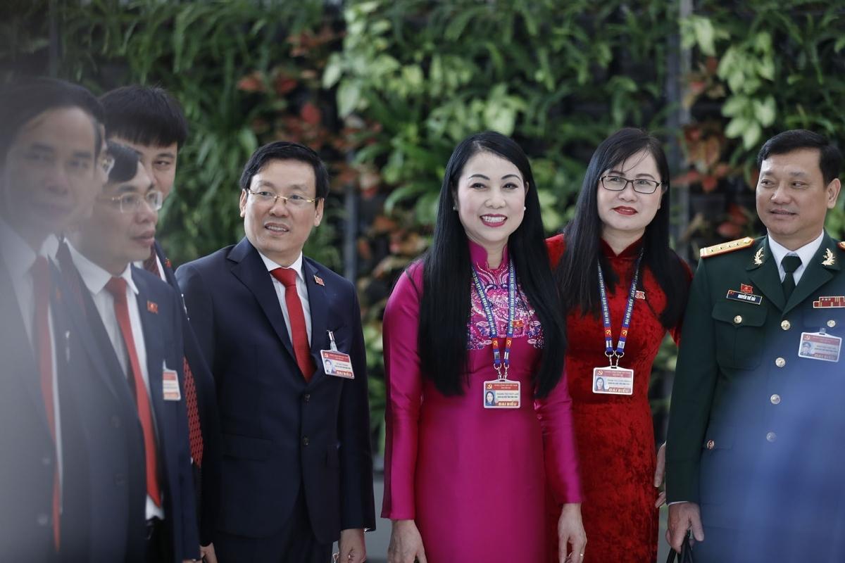 Trước phiên bế mạc, Đại hội đã hoàn thành công tác nhân sự với việc bầu Ban Chấp hành gồm 200 Ủy viên Trung ương nhiệm kỳ khóa XIII (180 Ủy viên chính thức, 20 Ủy viên dự khuyết) và bầu Bộ Chính trị (gồm 18 Ủy viên).
