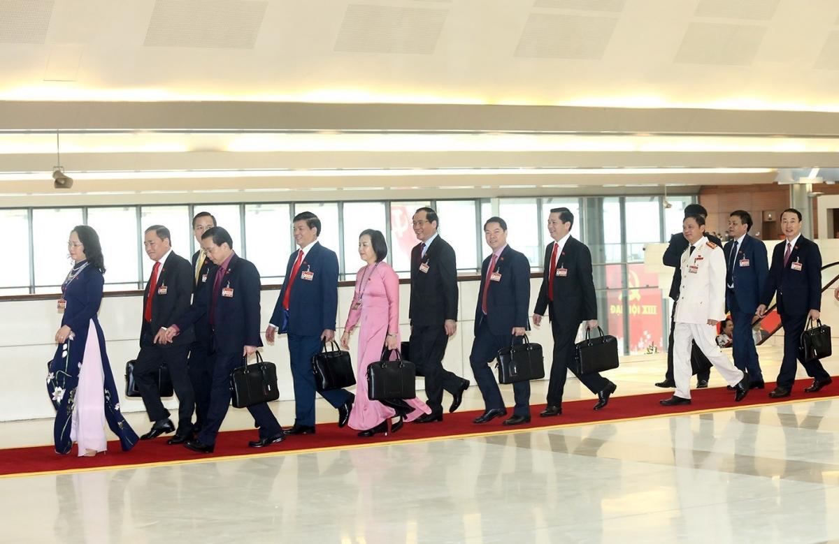 Các đại biểu thống nhất cao trong việc bầu đồng chí Nguyễn Phú Trọng vào vị trí Tổng Bí thư Ban Chấp hành Trung ương Đảng khóa XIII.