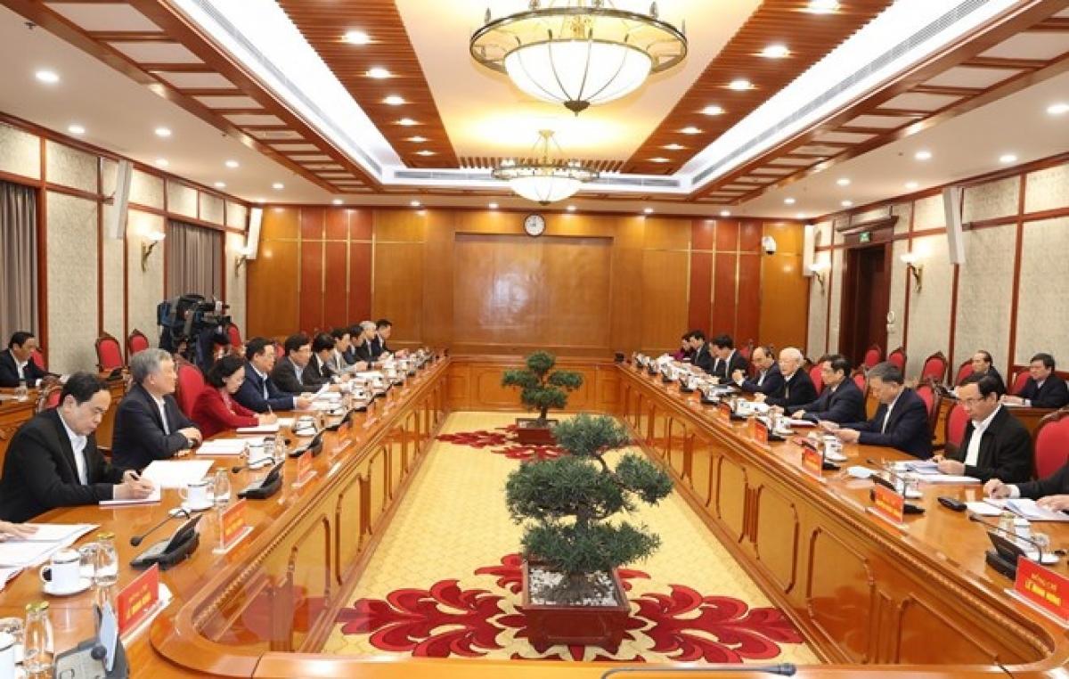 Tổng Bí thư, Chủ tịch nước chủ trì phiên họp đầu tiên của Bộ Chính trị và Ban Bí thư. Ảnh: TTXVN