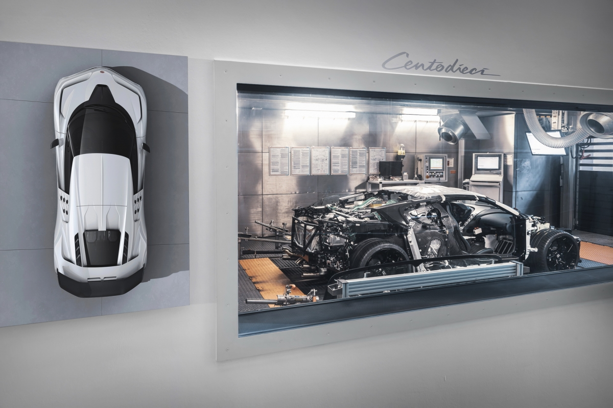Chiếc Centodieci nguyên mẫu mang số khung #1 hiện đang được hoàn thiện tại trụ sở của hãng tại Molsheim, Pháp. Tại đây, nguyên mẫu đầu tiên sẽ bắt đầu quá trình phát triển của mình bằng các bài đánh giá chi tiết thành phần. Từng bộ phận trên xe đều sẽ được chạy thử nghiệm mô phỏng trên máy tính để kiểm tra độ bền, kể cả các đinh tán nhỏ nhất trên xe.