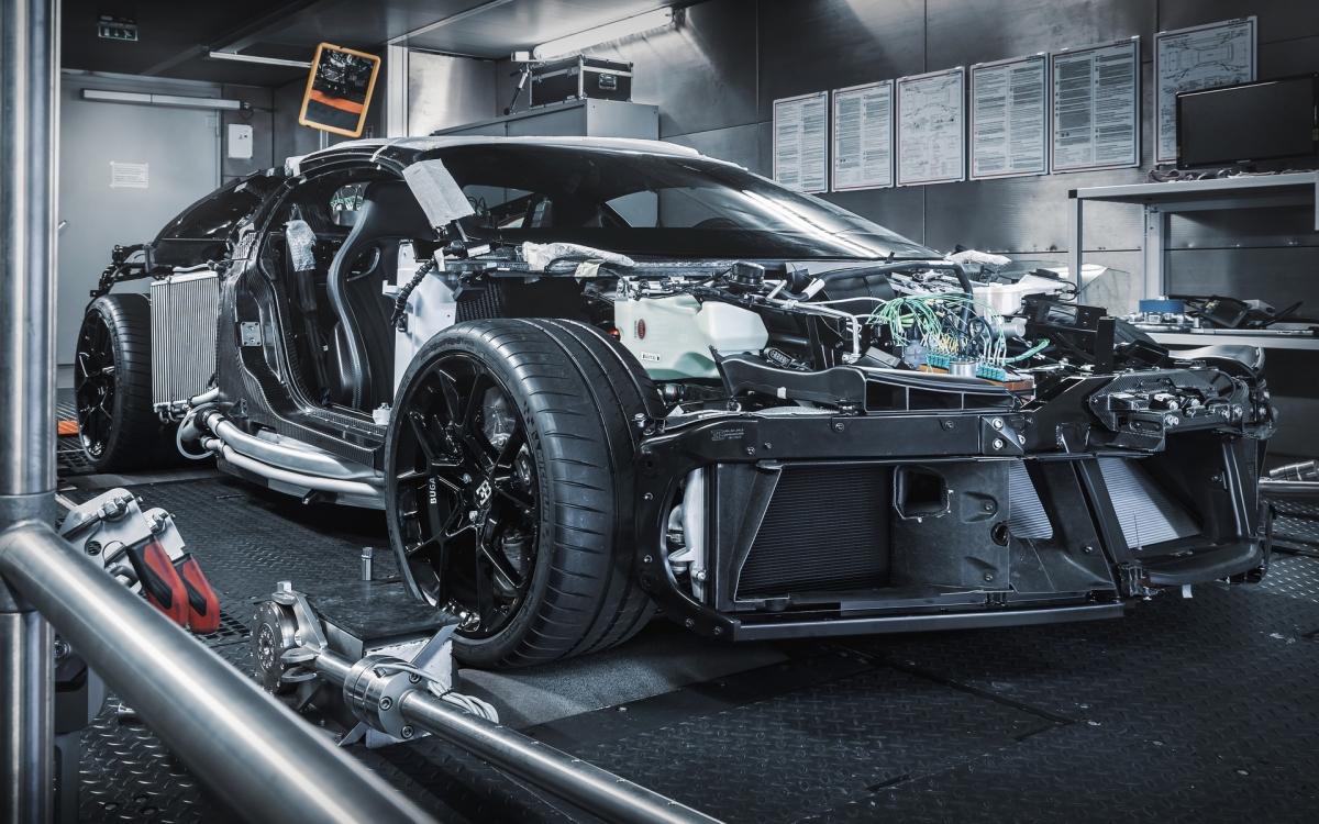 """Cũng theo Andre Kullig: """"Với thiết kế ngoại thất hoàn toàn mới, có nhiều thay đổi ở nhiều vị trí mà chúng tôi đã mô phỏng thông qua chương trình máy tính đặc biệt. Dựa trên những dữ liệu đó, chúng tôi đã có thể tạo ra cấu hình cơ bản như là một điểm bắt đầu để phát triển chiếc xe và nguyên mẫu đầu tiên này""""."""