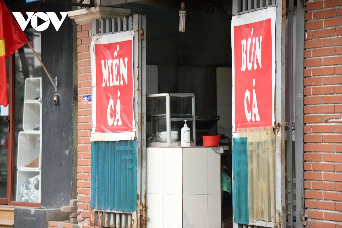Some stores deploy take away services in order to maintain some business despite closing.